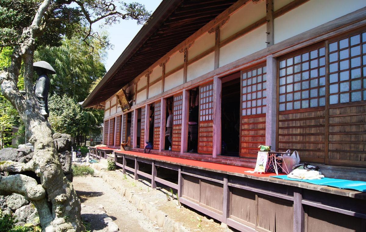 八王子ヨガ祭り浄福寺の縁側